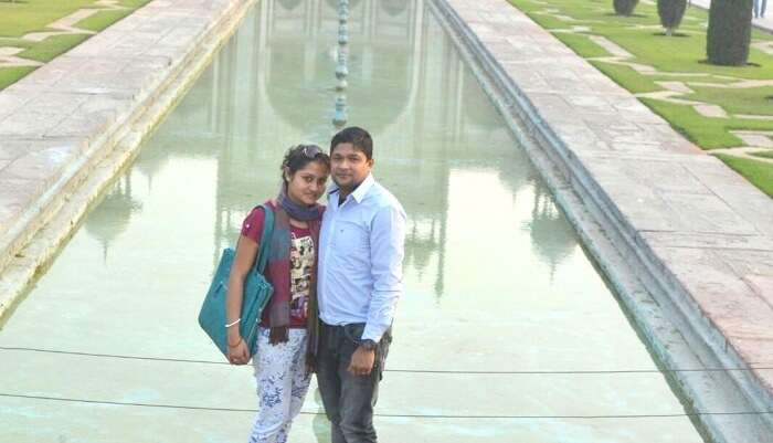 Madhumita and her husband sightseeing in Delhi