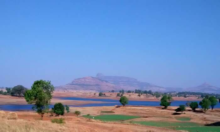 The lake on the way to Satpura