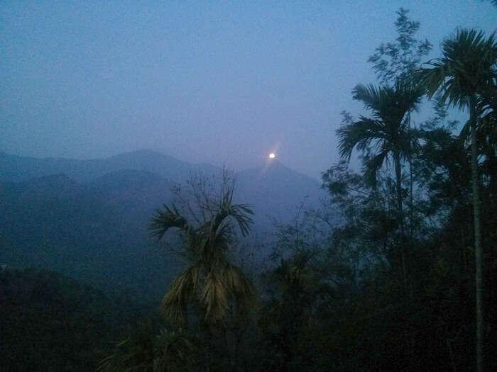 Moon rise in Munnar