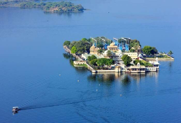The Jag Mandir is right in the middle of famous Lake Pichola