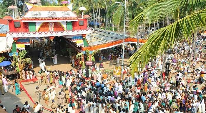A crowd of the devotees at Karikkakom Chamundi Devi Temple
