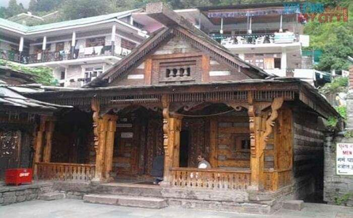 The front view of the Maa Sharvari Temple in Manali