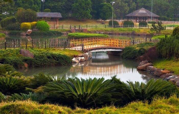 Beautiful pathways and bridges at Okayama Friendship Garden – one of the best places in Pune for couples