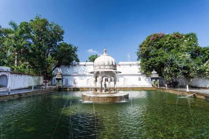The lotus pool at Saheliyon Ki Bari makes it a popular place to visit in Udaipur