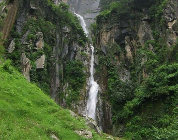The magnificent view of the Jogini Waterfalls near Manali