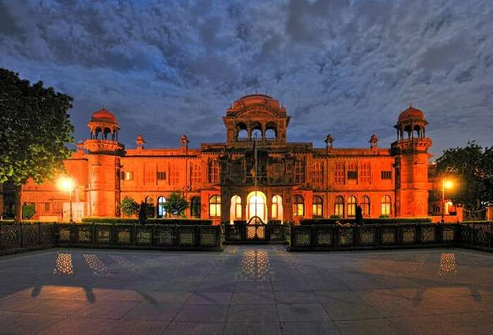 The graceful red sandstone Laxmi Niwas Palace that is one of the best places to see in Bikaner