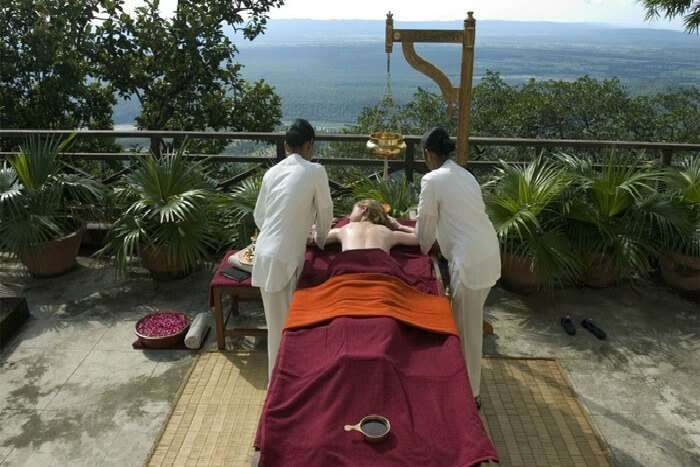 Indulge in rejuvenating Ayurvedic massage in Rishikesh
