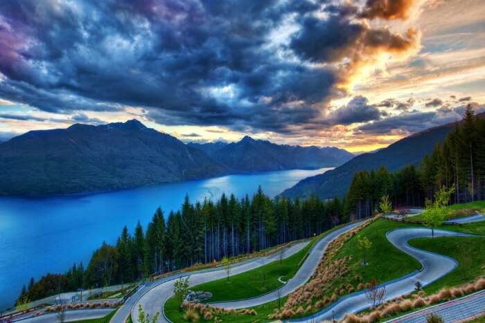 Live your road trip dreams on the roads of New Zealand
