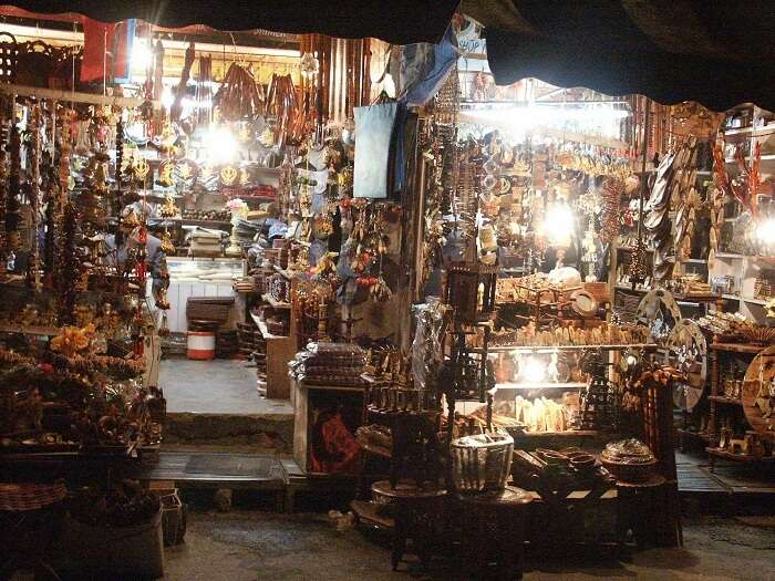 Lakkar Bazaar - a popular place for shopping in Shimla