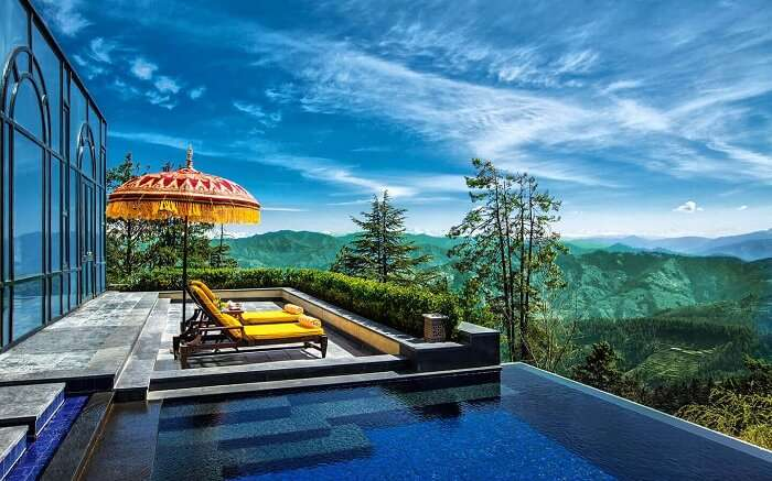 An infinity pool of Wildflower Resort in Shimla - The most premium resort in Shimla