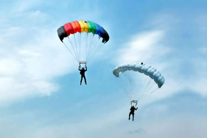 Touch the sky while parasailing and paragliding in Rishikesh