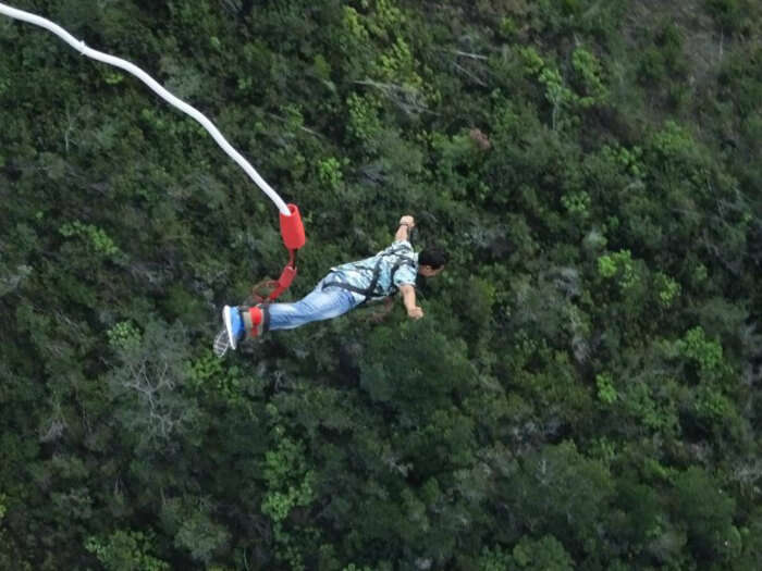 Shivaramakrishanan doing the biggest bungee in the world.