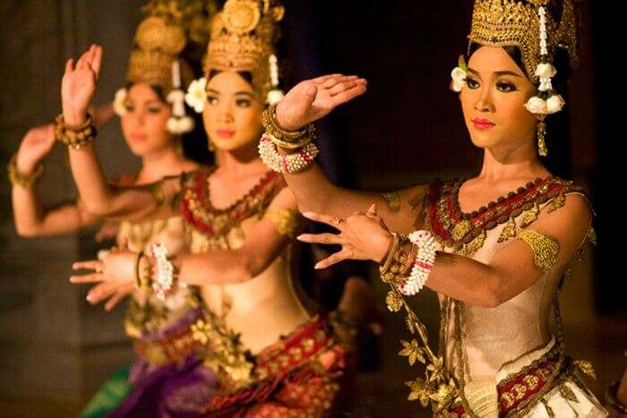 Watch the Apsara Dance performance in Cambodia