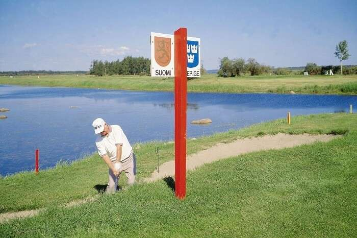 A golf course straddling the Finnish-Swedish border