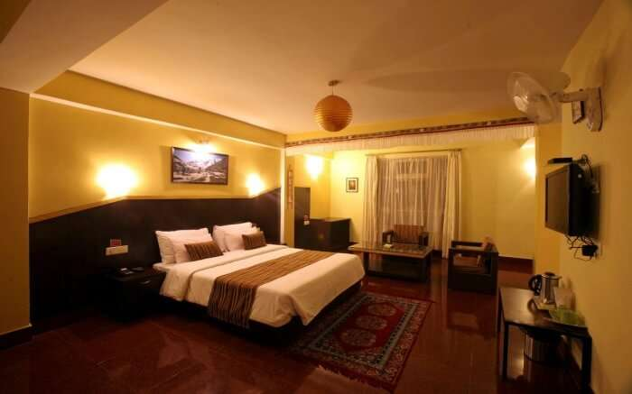 Stay in comfort at the Greendale Residency hotel that has some of the most spacious and well-equipped rooms