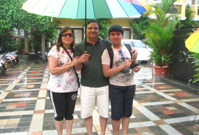 Rajiv Jain and family in Goa