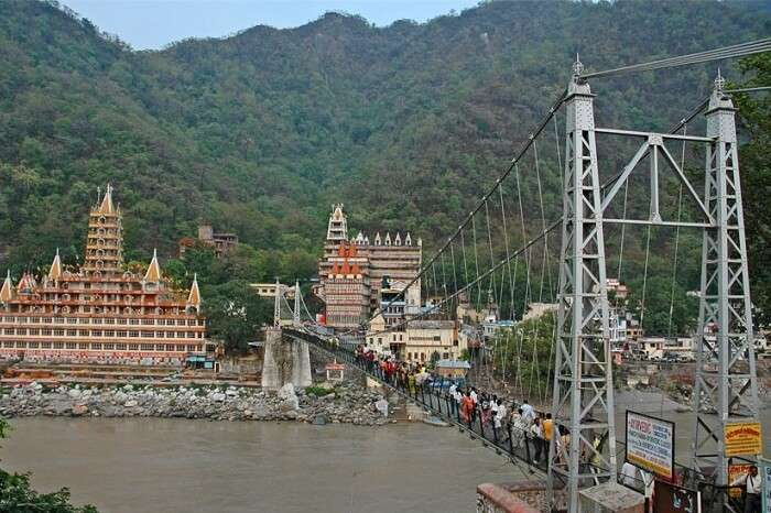 The 450 feet long Lakshman Jhula lies across the River Ganga.