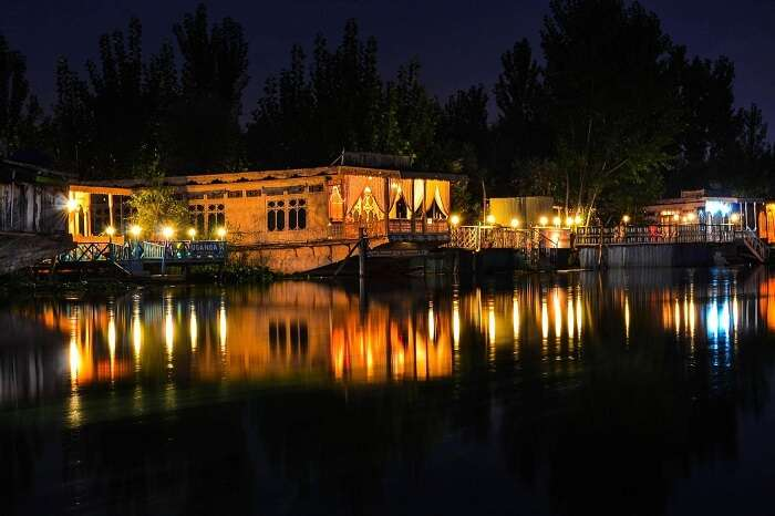 The numerous houseboats in Dal Lake that offer night stay options