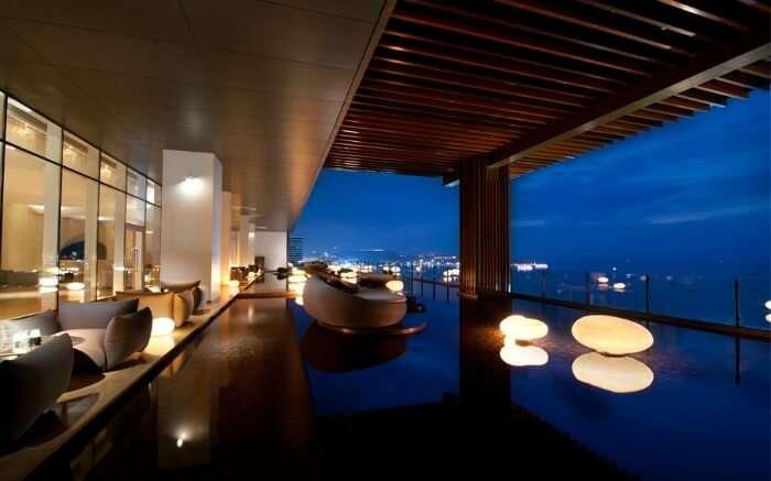 Enjoy 180 degree of Pattaya Beach from Hilton