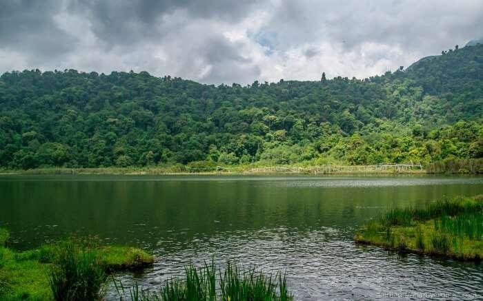 Enliven your soul splashing around the beautiful Kanchenjunga Falls
