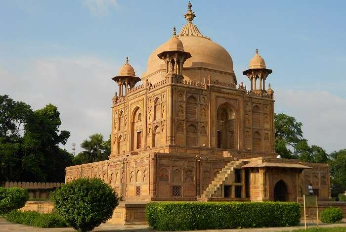 The famous tomb of Nithar at Khusro Bagh in Allahabad
