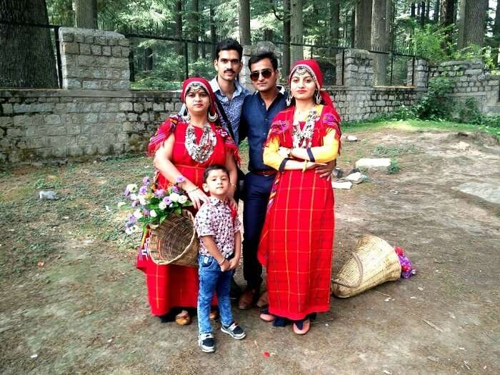 Sachins family in traditional Himachal outfits