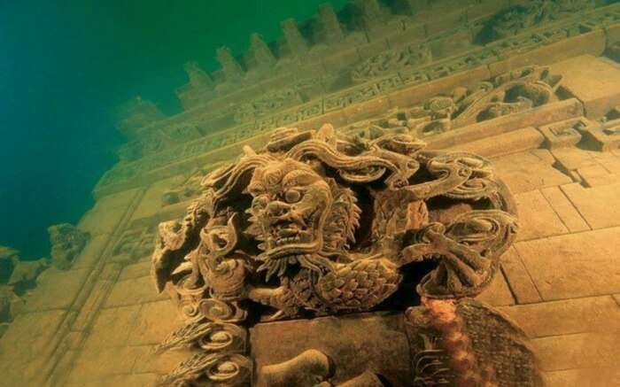 Lion City in Qiandao Lake is located 85-131 feet beneath the ocean's surface.