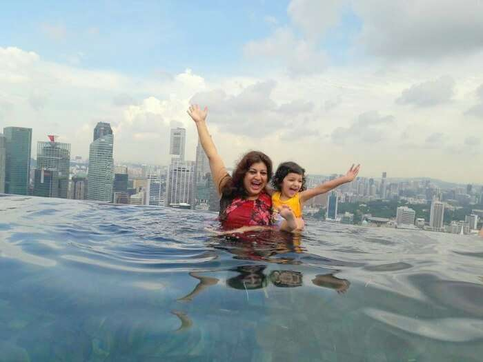 Srishtis sister and niece at the pool in Marina Bay Sands Hotel