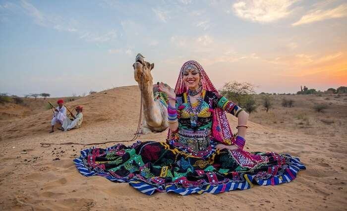 A women ready for her gypsy snake dance performance in India - One of the must-see attractions in Rajasthan