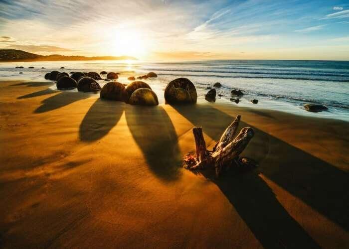 Mesmerizing beauty of Koekohe beach in New Zealand