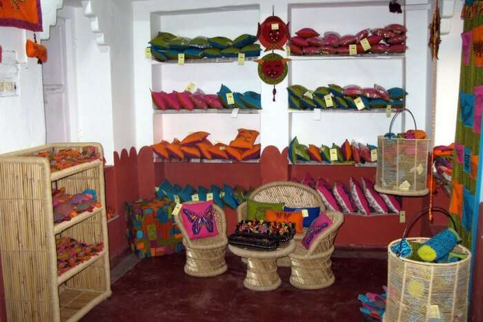 Handlooms displayed at Dastkar Craft Centre