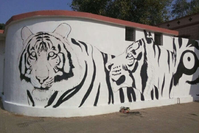 Art work at Sawai Madhopur railway station
