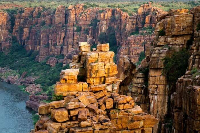 The uniquely cut rocks of the gorge at Gandikota