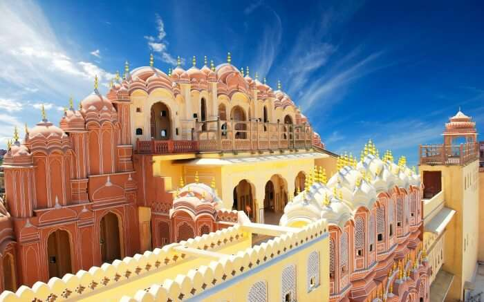 Jaipur is among the best places for shopping in Rajasthan