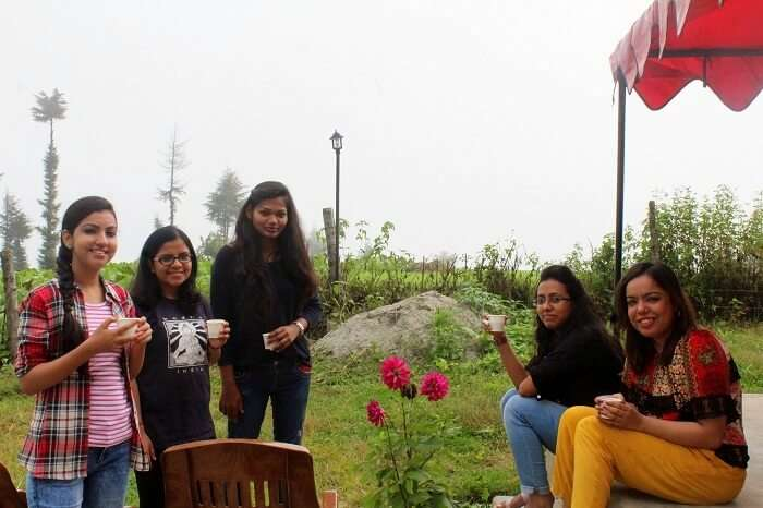 Kanika and her friends at the hotel in Chakrata
