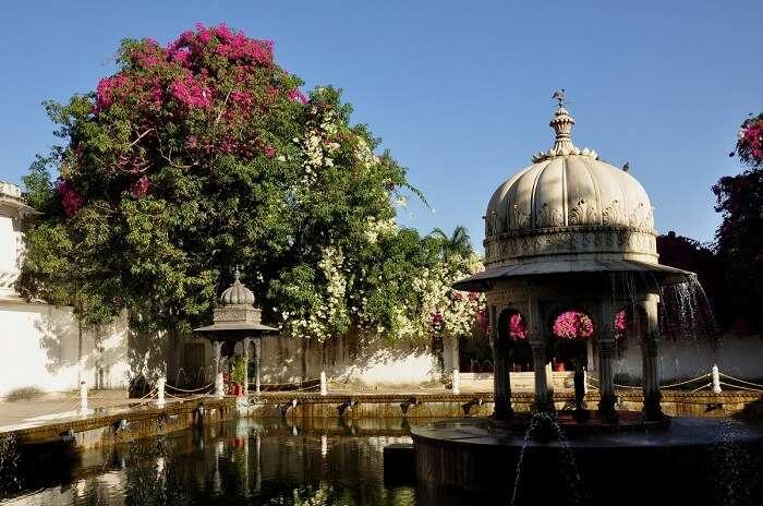 Saheliyo Ki Bari Gardens