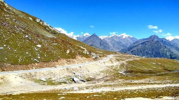 Gorgeous view of the valley near Rohtang Pass