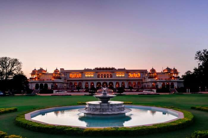 Imposing front view of Rambagh Palace in Jaipur