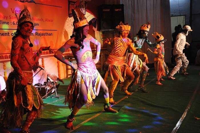 Dancers performing during the famous Matsya Festival in Rajasthan