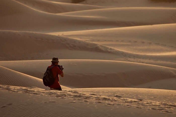 A photographer walks across the Thar to capture beautiful moments