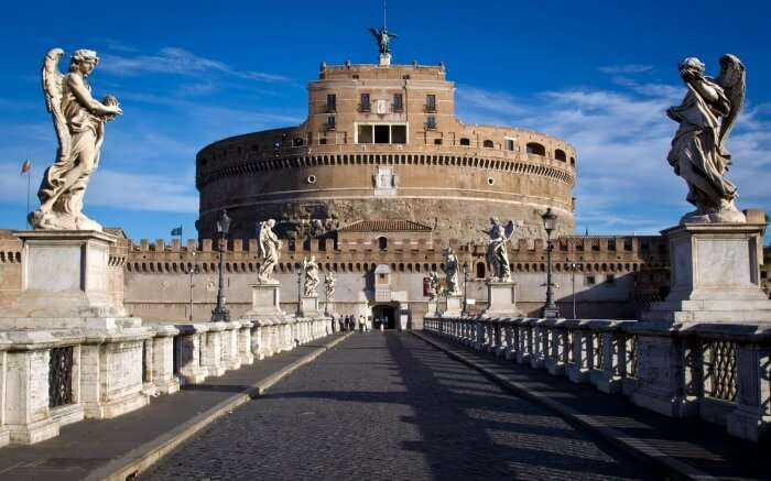 Way towards the Castel Sant'Angelo