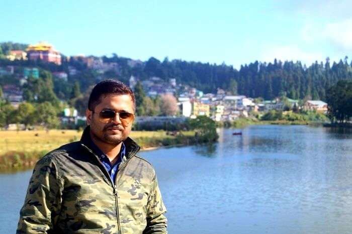 Scenic view of Lake Mirik