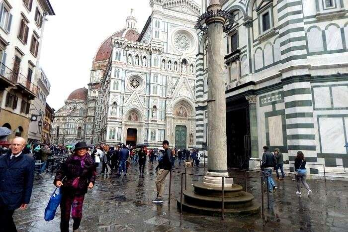 The square outside Duomo in Florence