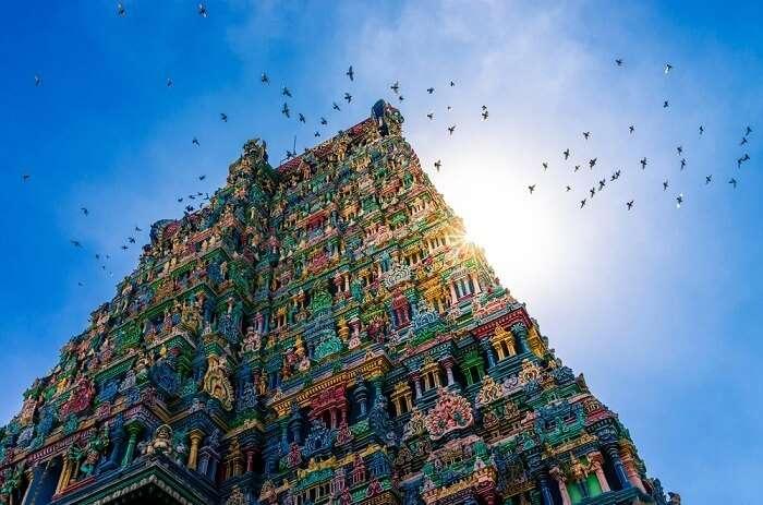 Hindu weddings in meenakshi temple