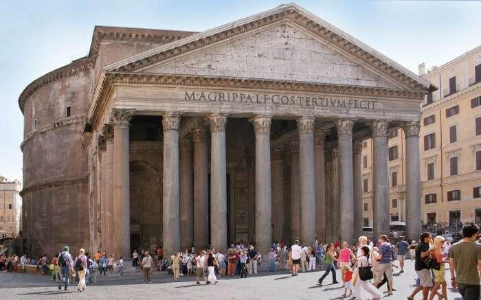 Tourists exploring Pantheon in Rome