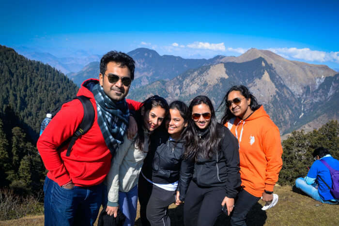 akanksha & her friends at jalori pass