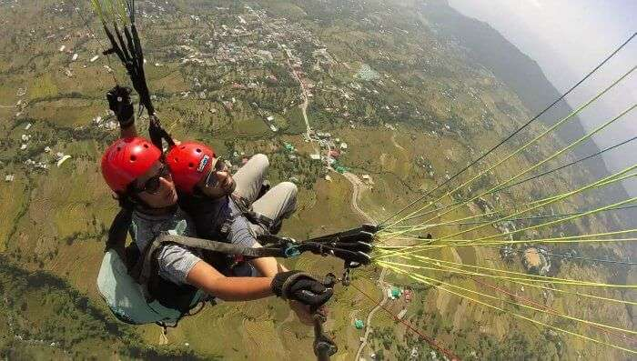 paragliding in bir- soumya whizzing through the air and taking selfies