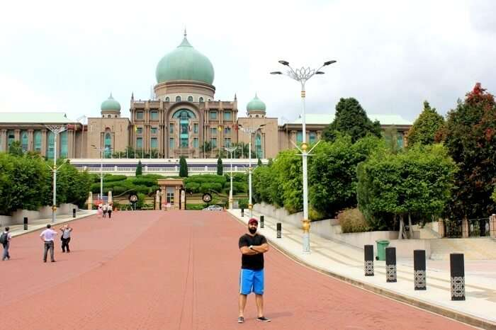 Gurpreet's Stunning Family Trip To Singapore And Malaysia