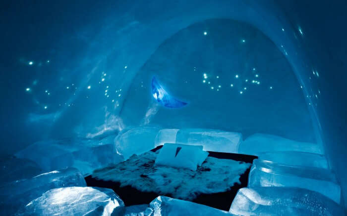 A room in ICE Hotel - one of the most unusual honeymoon destinations