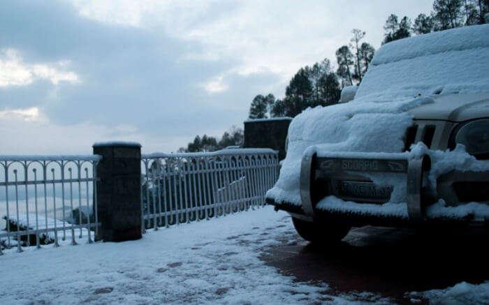 Snowfall in Kausani